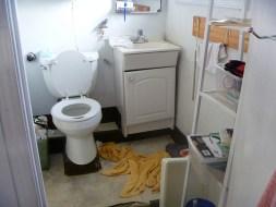 bathroombuiltin2