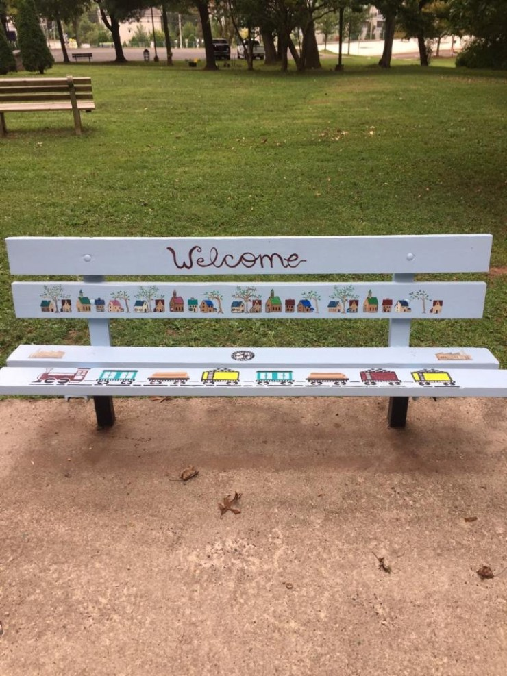 A bench to welcome all park residents