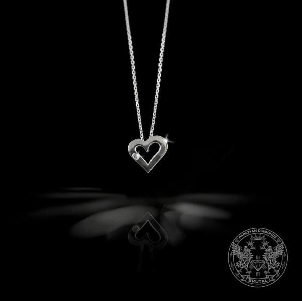 Златен медальон Сърце с диамант