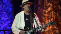 neil-young-journeys-