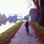 Louvièreの運河沿いでサイクリング