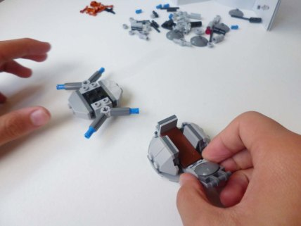 Lego Star Wars Microfighters Homing Spider Droid step 5