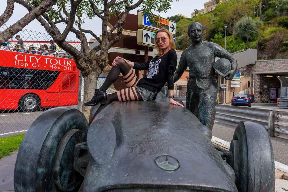 SuzyMae on Juan Manuel Fangio Statue