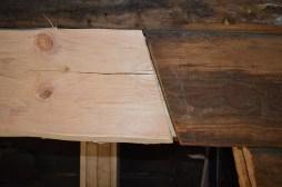Den nye stokken skal bare tilpasses mot ca 15cm av det gamle laftet over, og tilpasningen går rimelig raskt i dette tilfelle. En tilpasning mot et lenger stykke laft vil naturligvis ta lenger tid