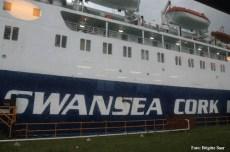 Die MV Superferry lag am Pier, wegen dem schlechten Wetter verzögerte sich die Abfahrt um mehrere Stunden, die ersten Termine am nächsten Tag kamen bereits ins wanken.