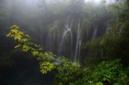Überall verbinden Wasserfälle die auf unterschiedlichen Höhen gelegenen Seen.