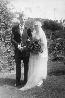 John and Hilda Pendlebury on their wedding day, from the Pendlebury Family Papers. Copyright: British School at Athens