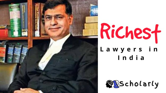 how much do lawyers earn in India?