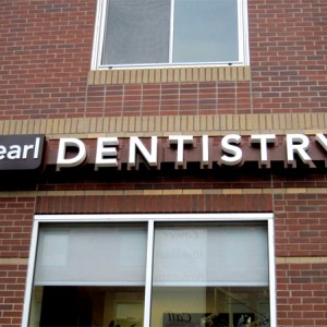 signs for dental clinic