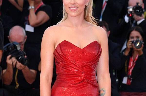 rs x scarlett johanson red dress me