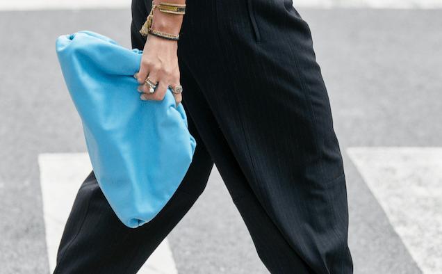 new york spring street style detail bottega veneta bright blue the pouch bag style landscape cropped