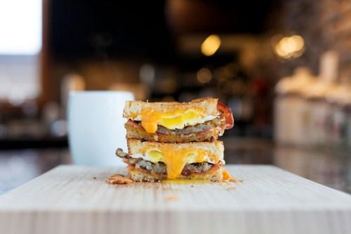 The Breakfast Grilled Cheese | bsinthekitchen.com #grilledcheese #breakfast #bsinthekitchen