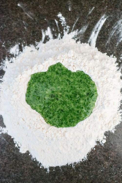 Spinach Pasta Dough | bsinthekitchen.com #spinach #pastadough #bsinthekitchen