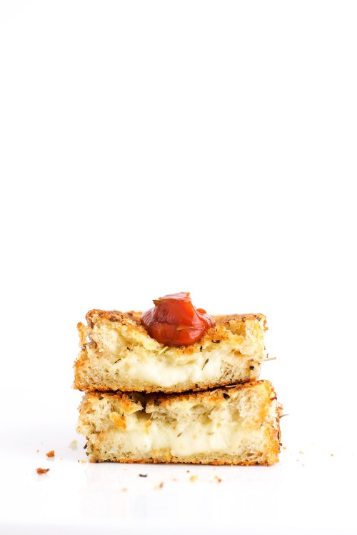 Mozzarella Stick Grilled Cheese | bsinthekitchen.com #grilledcheese #sandwich #bsinthekitchen