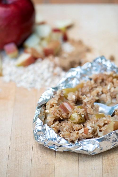 Campfire Apple Crisp | bsinthekitchen.com #camping #dessert #bsinthekitchen