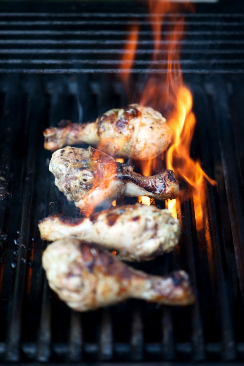 Grilled Lemon & Honey Garlic Chicken   bsinthekitchen.com #barbecue #chicken #bsinthekitchen