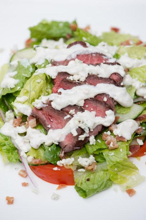 Steak Salad with Bacon Blue Cheese Dressing | bsinthekitchen.com #salad #dinner #bsinthekitchen