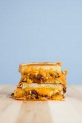 Chilli Cheese Grilled Cheese | bsinthekitchen.com #sandwich #grilledcheese #bsinthekitchen