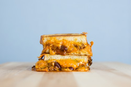 Chili Cheese Grilled Cheese | bsinthekitchen.com #sandwich #grilledcheese #bsinthekitchen