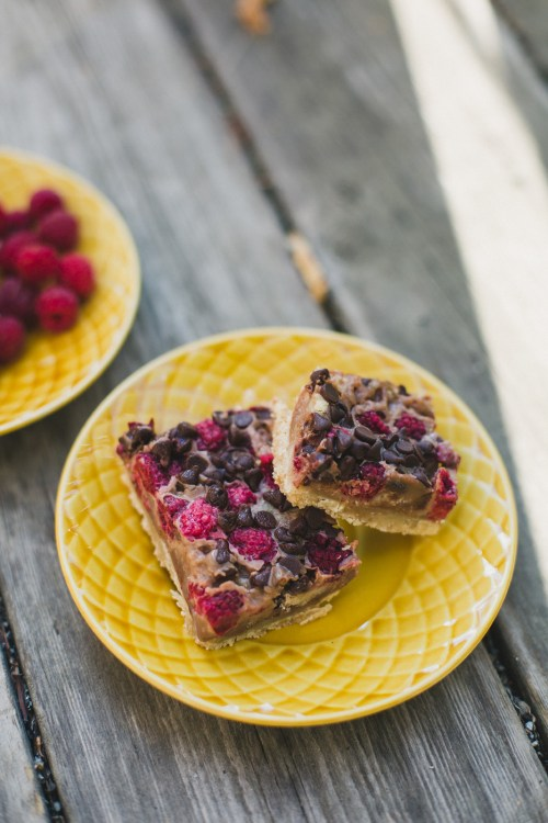 Chocolate Raspberries Pie Bars | bsinthekitchen.com #raspberries #chocolate #piebars #bsinthekitchen