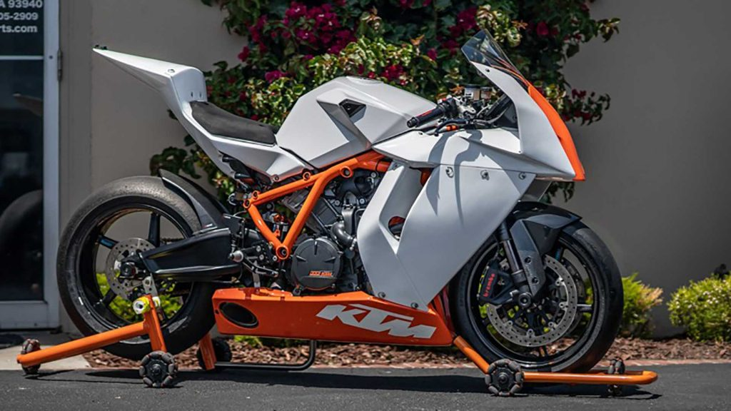 what is the top speed of ktm rc8 bsm