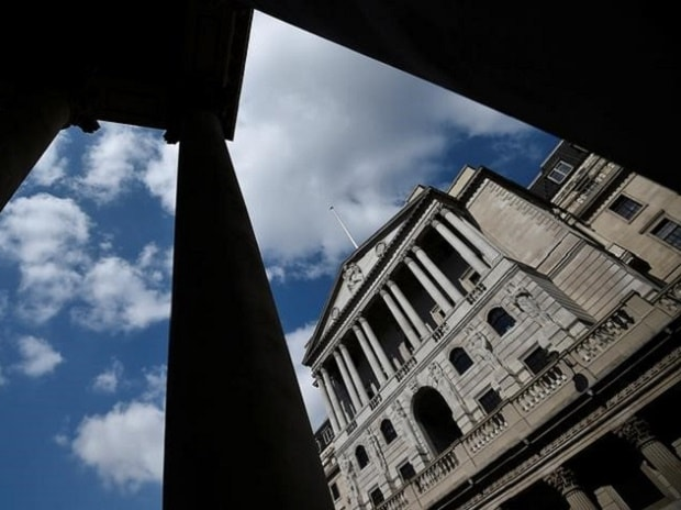 Bank of England holds interest rate at 0.75% after slowdown fears allay
