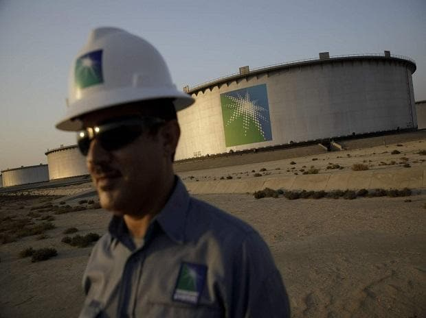 Saudi central bank closely monitoring Aramco IPO, ready for a cash crunch