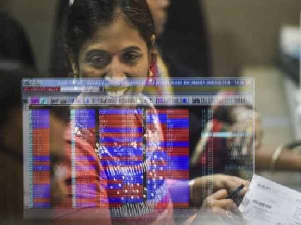 HDFC Bank adds 2% after PAT jumps 27% in September quarter