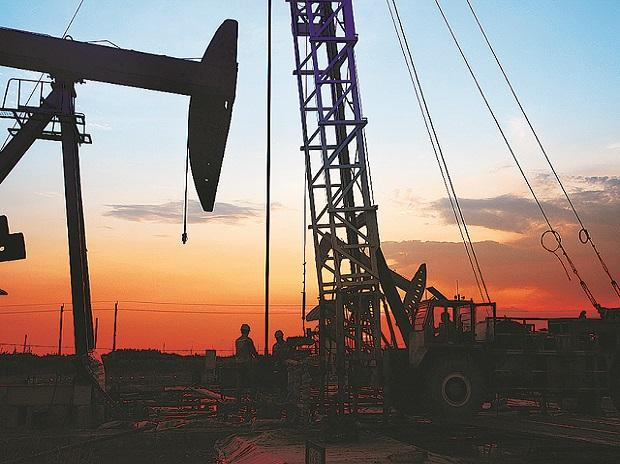 Covid-19: Russia, Saudi to cut oil output if US also does; US non-committal