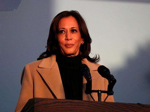 Kamala Harris condemns 'inexplicable' violence at Capitol on Friday