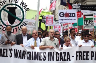 Jeremy Corbyn leading a July 2014 demonstration against the Israeli war on Gaza. (RonF | Flickr)