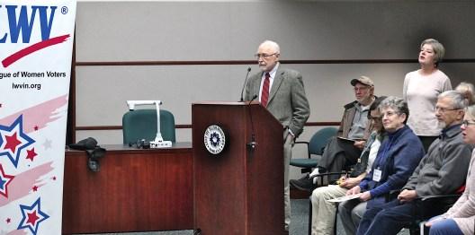 James Allison asks area state legislators about redistricting reform on Jan. 25, 2020 at Bloomington's city hall.