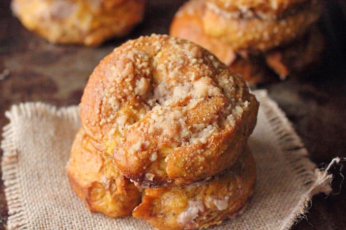 Pumpkin Crunch Bagel with Brown Sugar Spice Cream Cheese