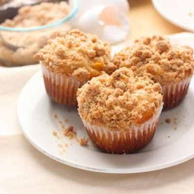 Peach Crumble Muffins