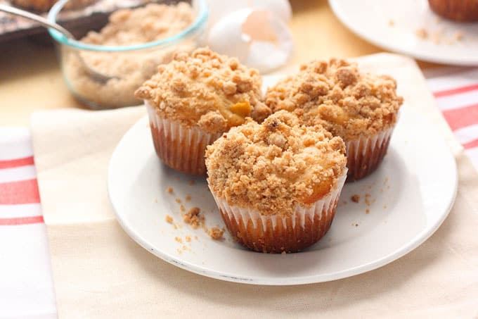 Peach Crumble Muffins