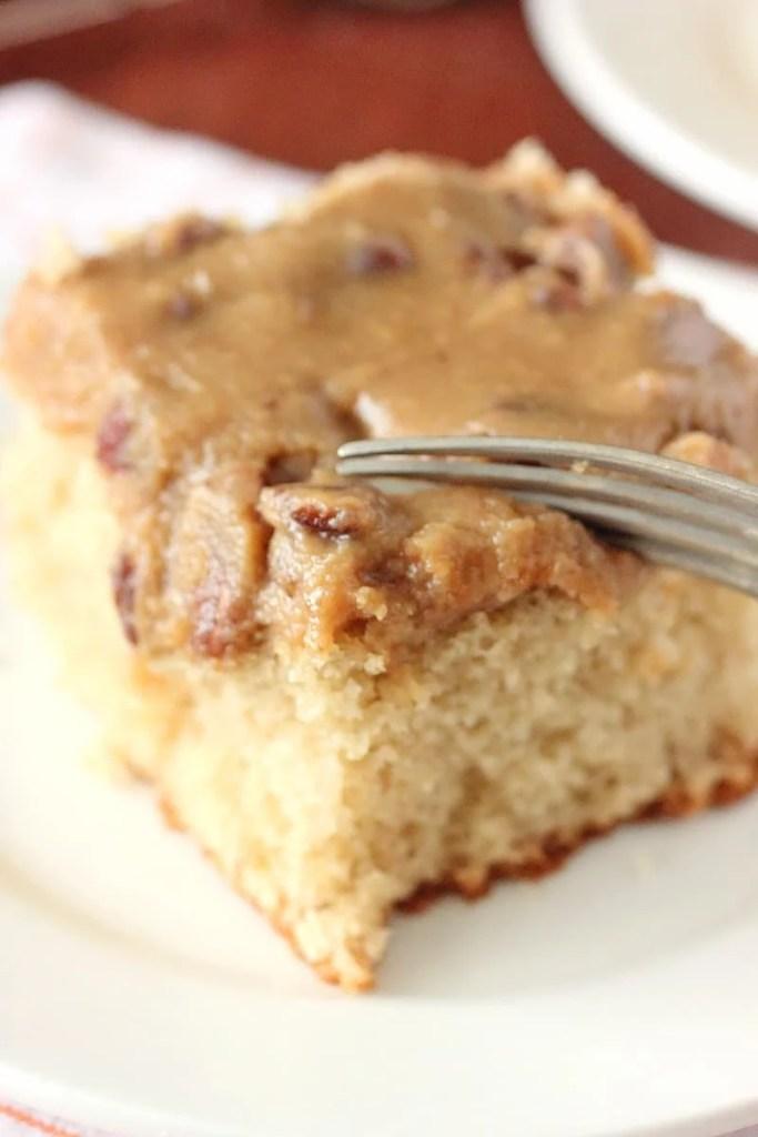 Bourbon Butter Pecan Cake