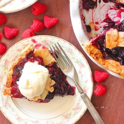 Cherry Pie Recipe with Mixed Berries