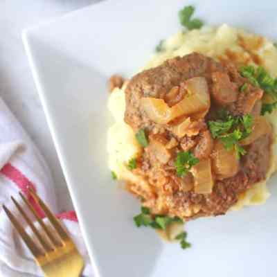 Tender Cube Steak Recipe with Mushrooms and Onions