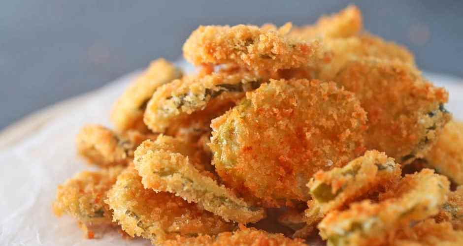 Easy and Crispy Fried Pickles