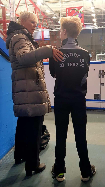 Landestrainerin Manuela Machon mit Arthur Mai