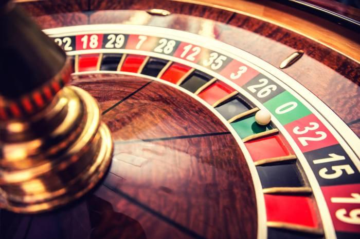 Pokeria Bitcoinin kanssa verkossa