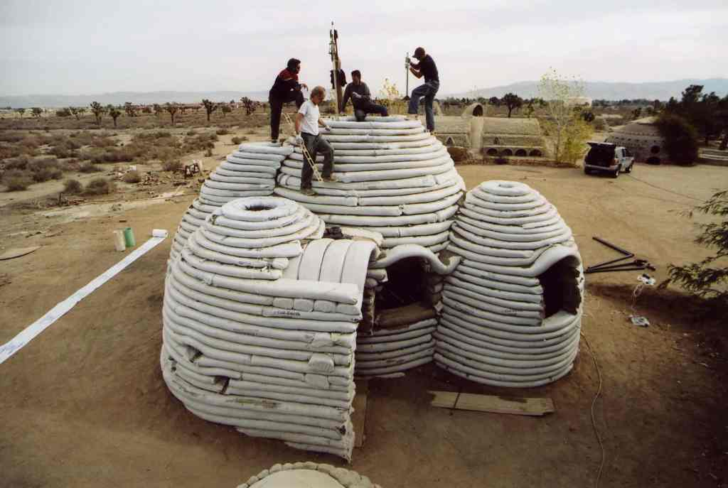 maison en sacs de sable (eco-dome - superadobe)