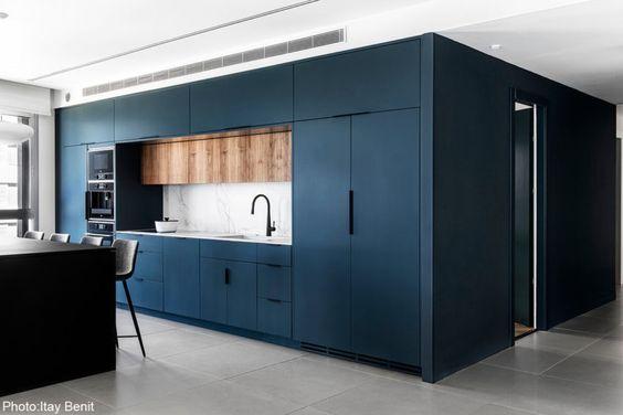 cuisine noire avec bois