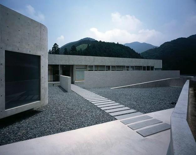 Horizontal House par le bureau d'études EASTERN, préfecture de Shiga, Japon