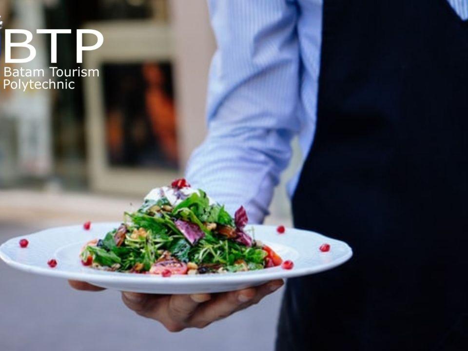 tugas waiters restoran