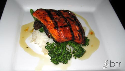 siprestolounge-salmon.jpg