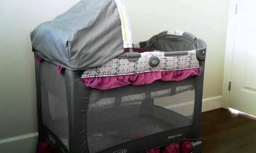Graco Travel Lite Crib, Bassinet and Playard (Video Review)