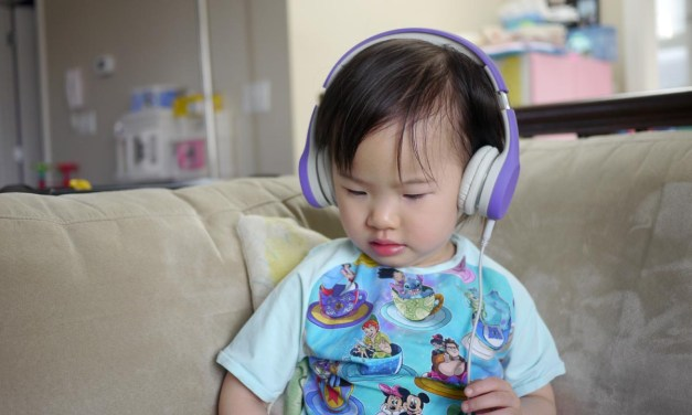 Vlog #70: LilGadgets Headphones for Little Gadgeteers