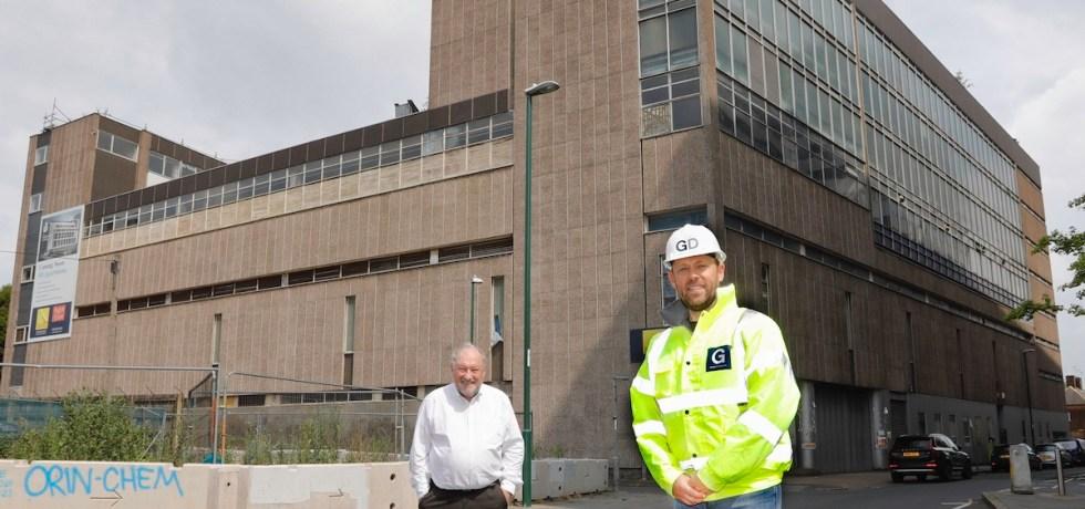 (R-L)Stephen Pratt, Godwin Developments and Ken Grundy infront of the current Bendigo building