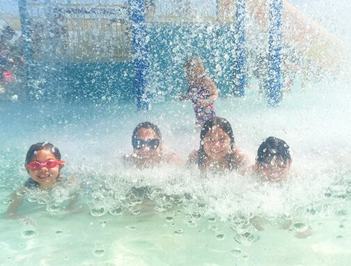 Family Fun in The Sun at Aquatic Center Photography in Chandler Arizona